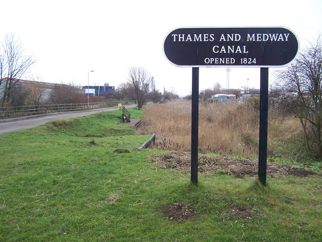 Thames and Medway Canal - geograph.org.uk - 1095701