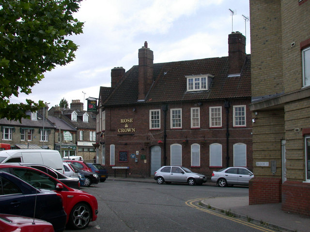 File:The Rose and Crown, closed down and boarded up - geograph.org.uk - 875854.jpg