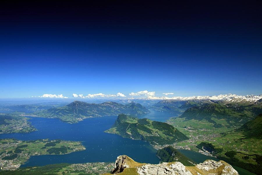 Blick vom Berg Pilatus auf den Vierwaldstättersee