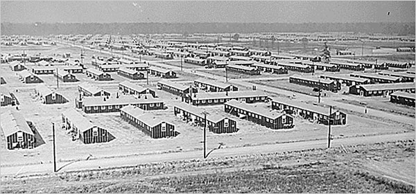 File:War Relocation Authority camp near Jerome, Arkansas (1942).jpg