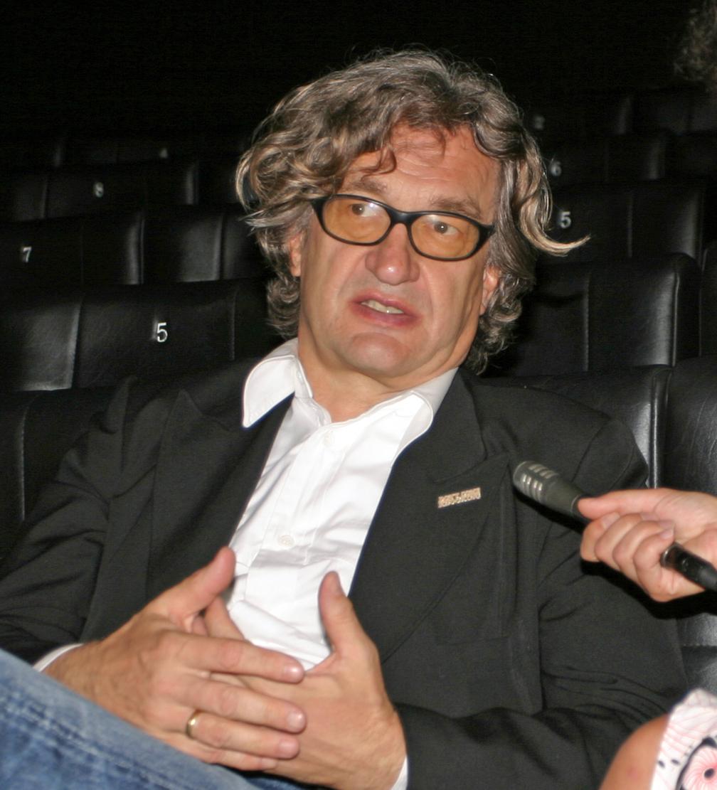 Wim Wenders hat zwei Berlin-Filme geschaffen und fungiert seit 1996 als Präsident der Europäischen Filmakademie in Berlin.
