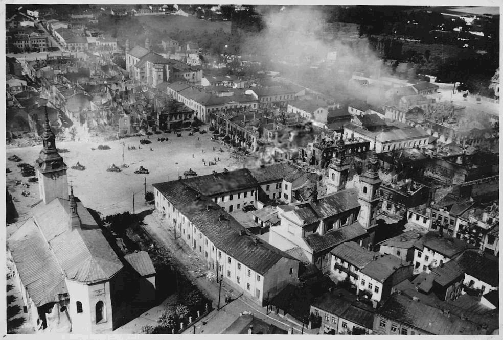 File:Wielun zniszczenia 1939 3.jpg - Wikimedia Commons