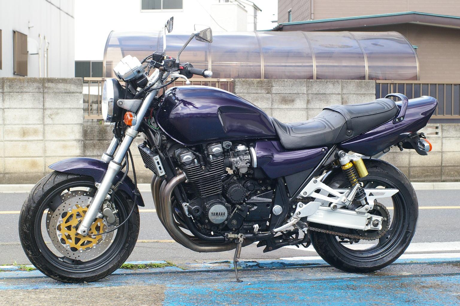 J Yamaha