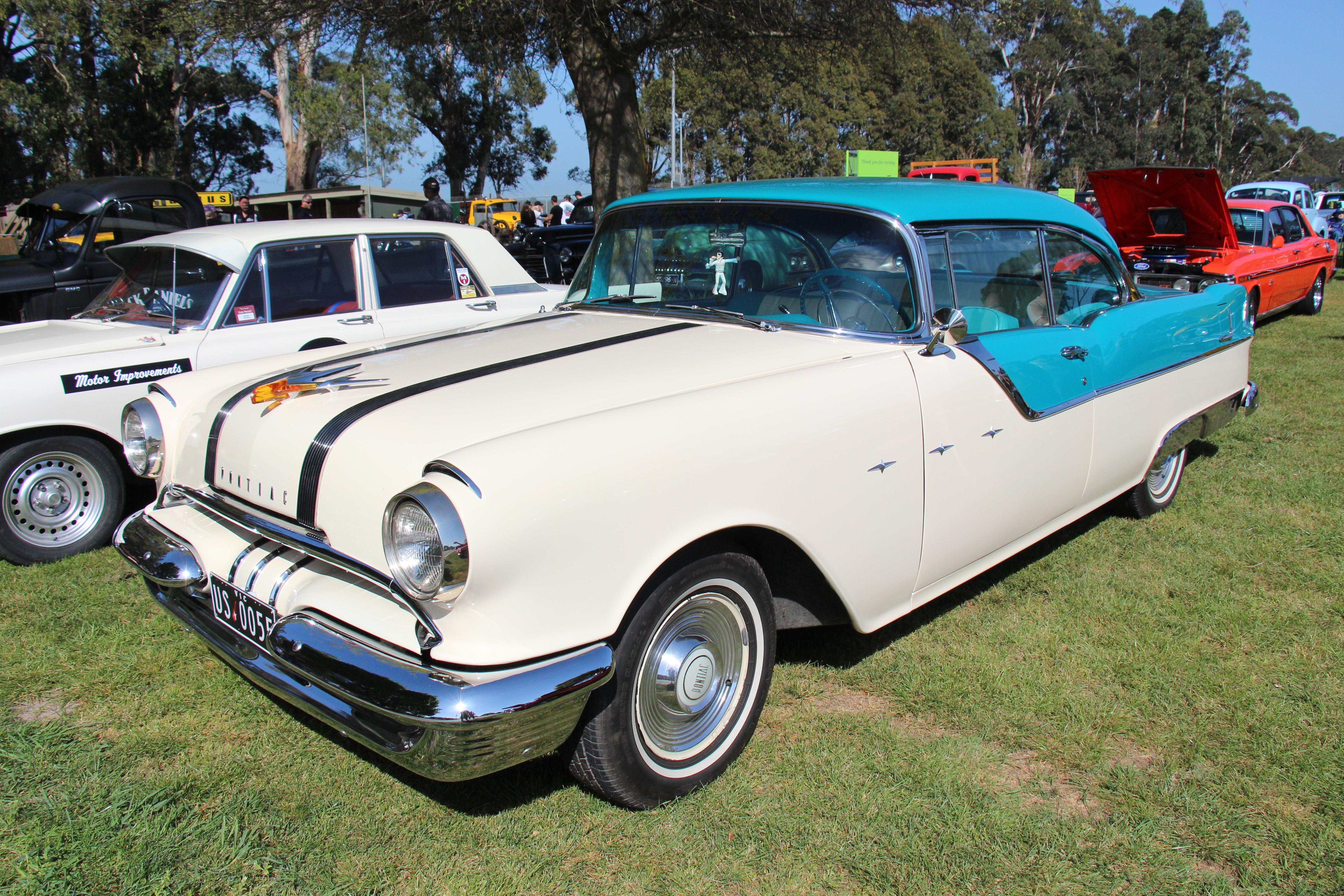 File 1955 pontiac star chief 2 door hardtop 22101591716 for 1955 pontiac chieftain 4 door