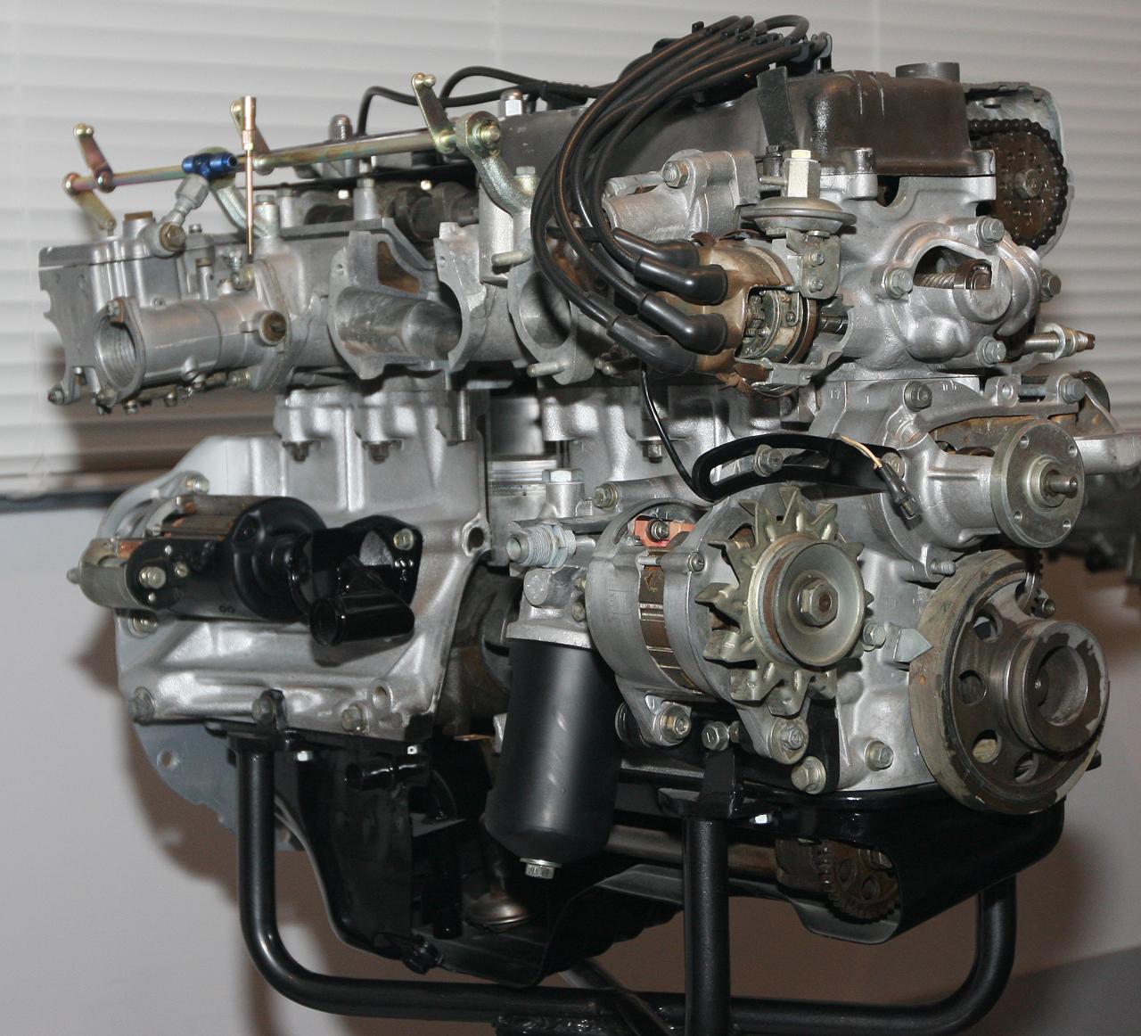 1969_Nissan_S20_engine_right.jpg