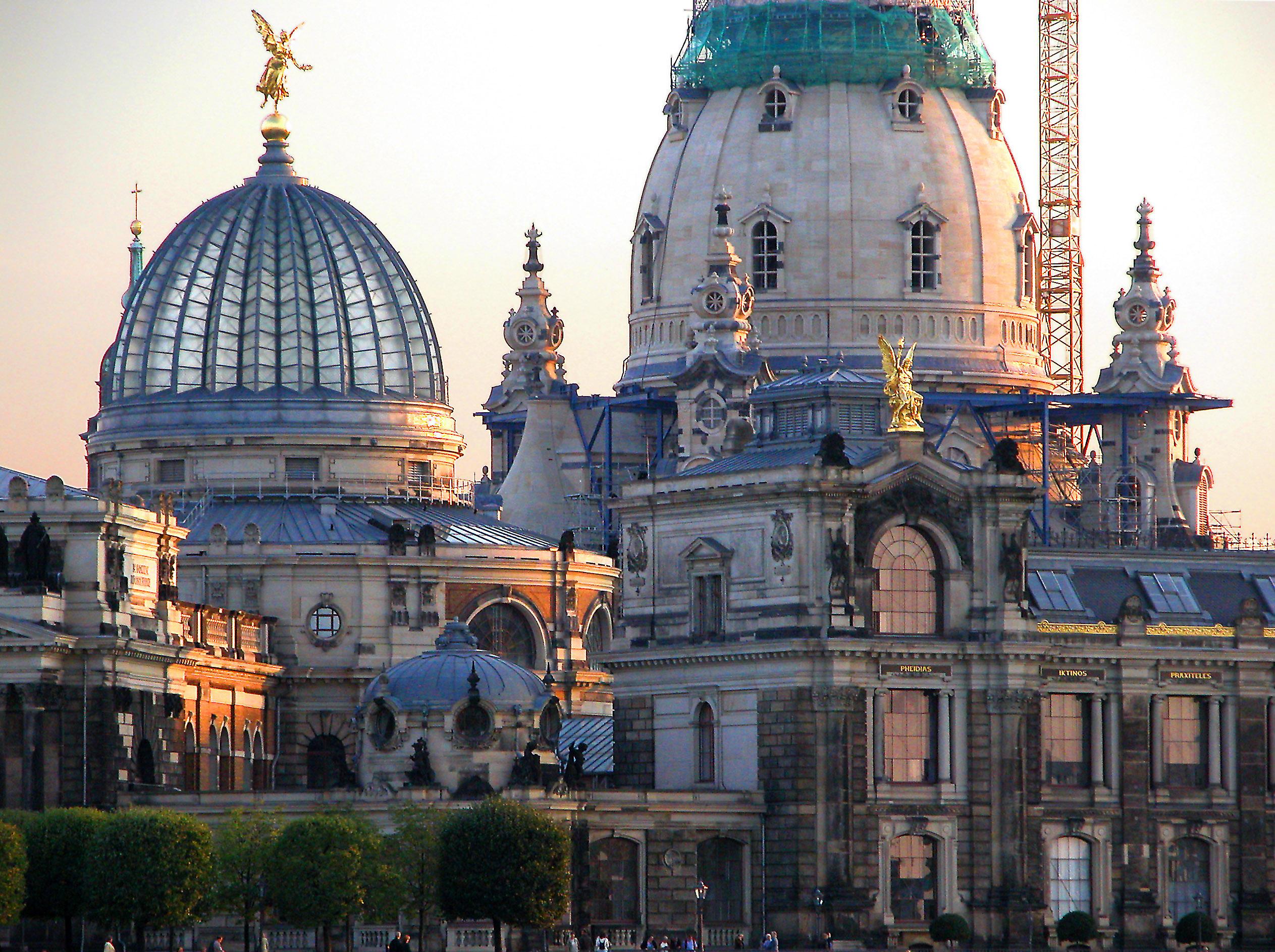 File 20030905540dr Dresden Bruhlsche Terrasse Frauenkirche Jpg