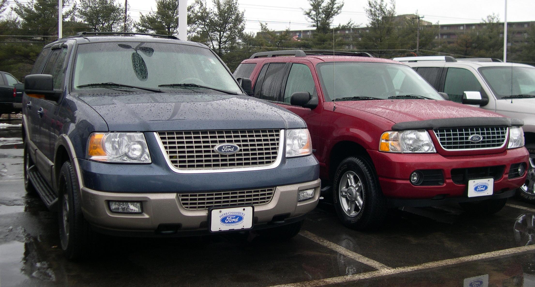 File 2005 Ford Expedition And Explorer Jpg Wikimedia Commons