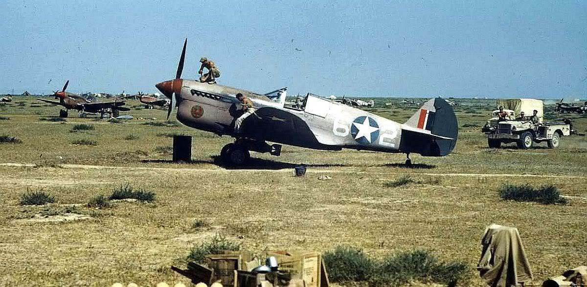 65th_Fighter_Squadron_P-40s.jpg