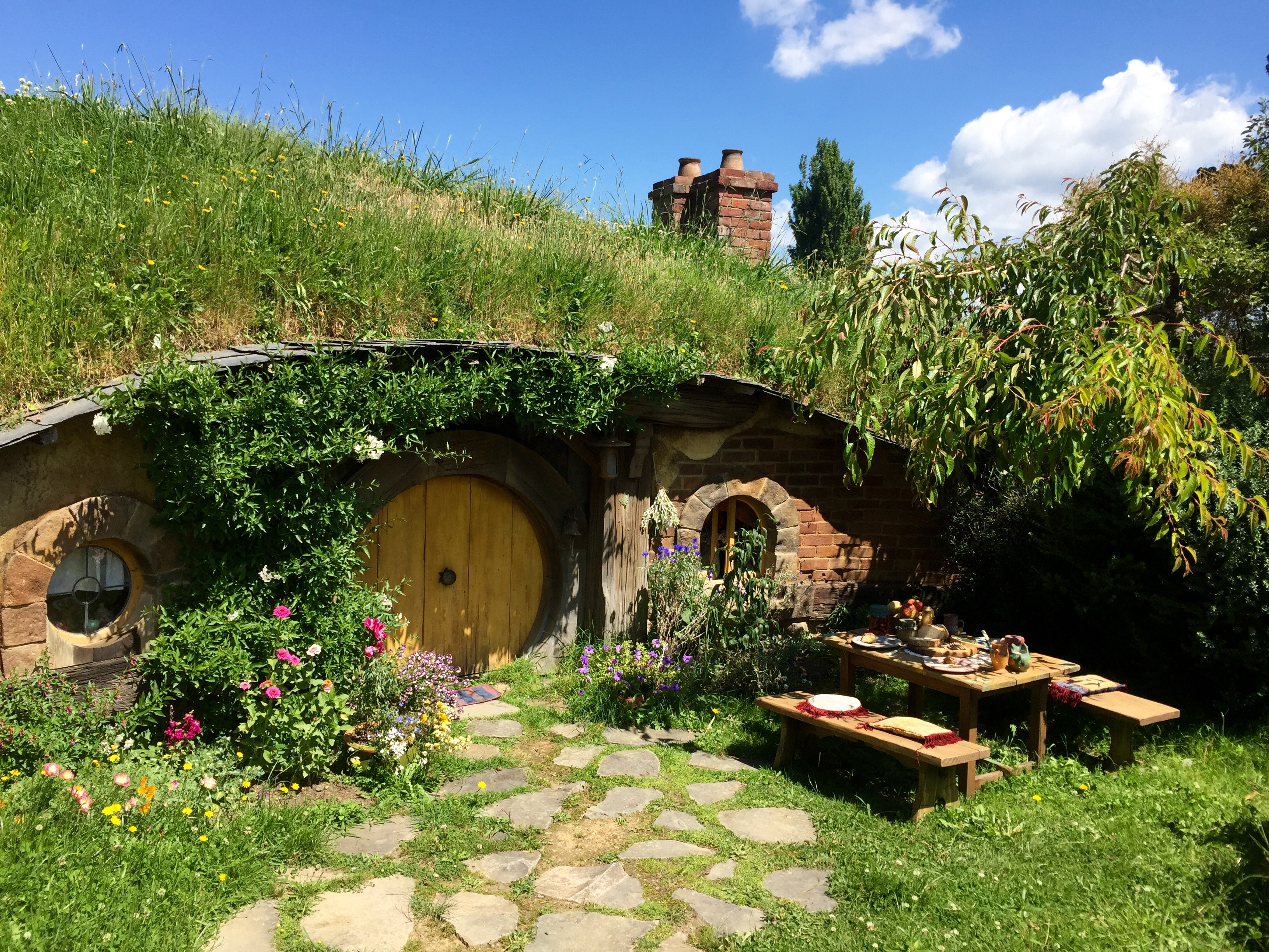 Captivating File:A Hobbit House