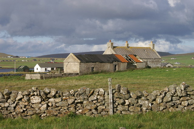 File:Abandoned crofthouse beside Baltasound airport - geograph.org.uk - 1471021.jpg