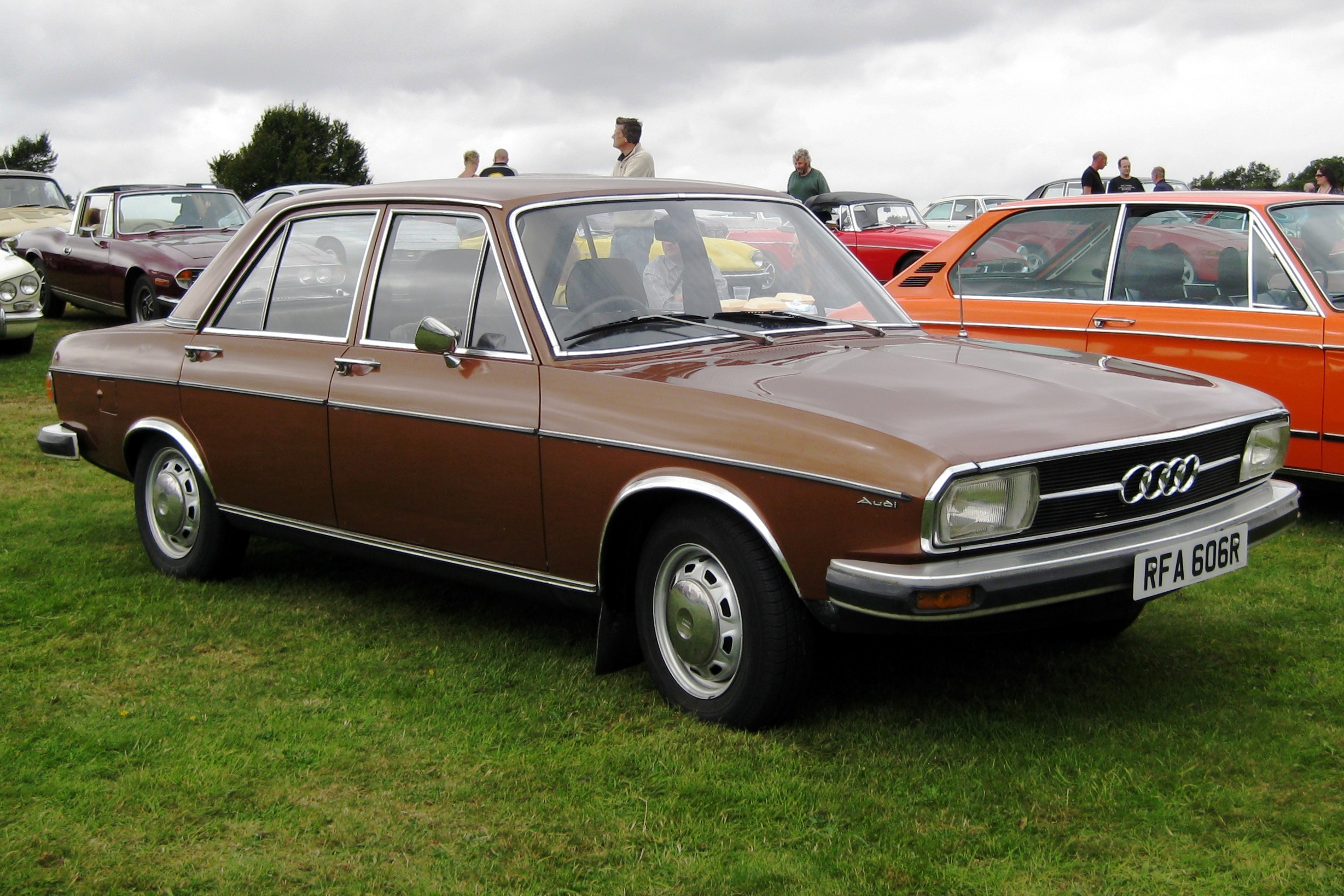 File:Audi 100LS C1 1761cc first registered November 1976.JPG - Wikimedia Commons