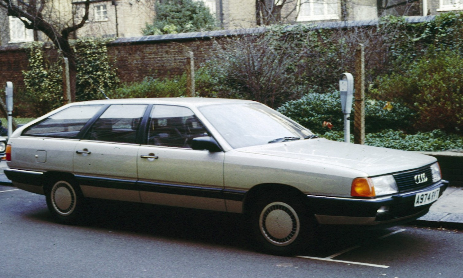 [QUESTION] Le pourquoi du comment de la domination allemande - Page 3 Audi_100_C3_Avant_1983