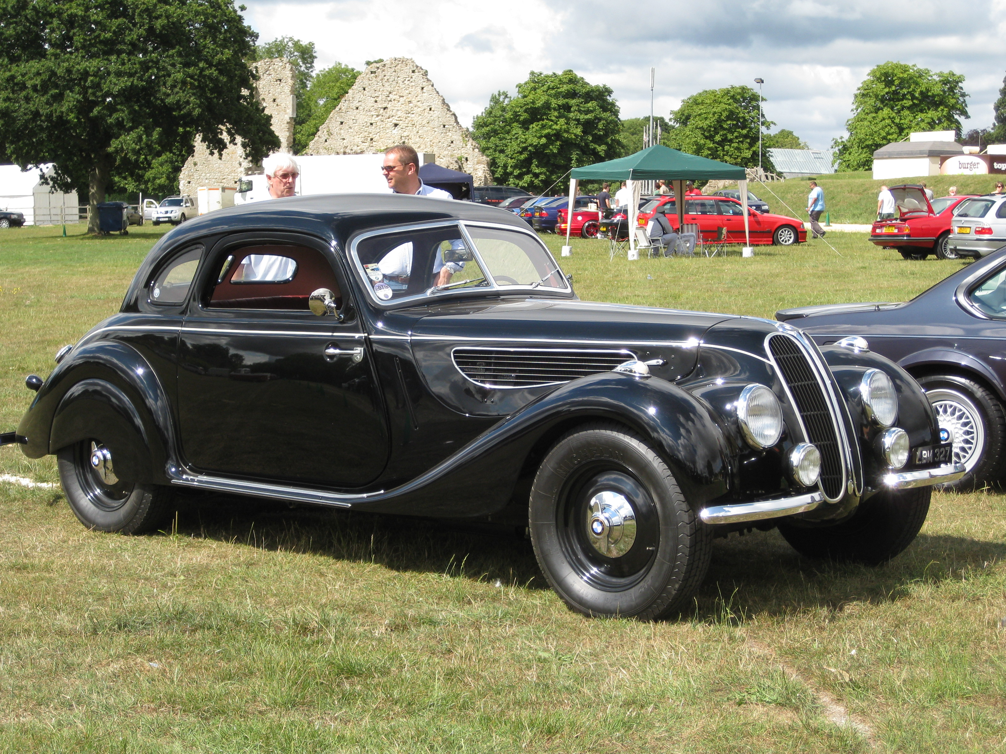 File:BMW 327 fixed head coupe 1939.jpg