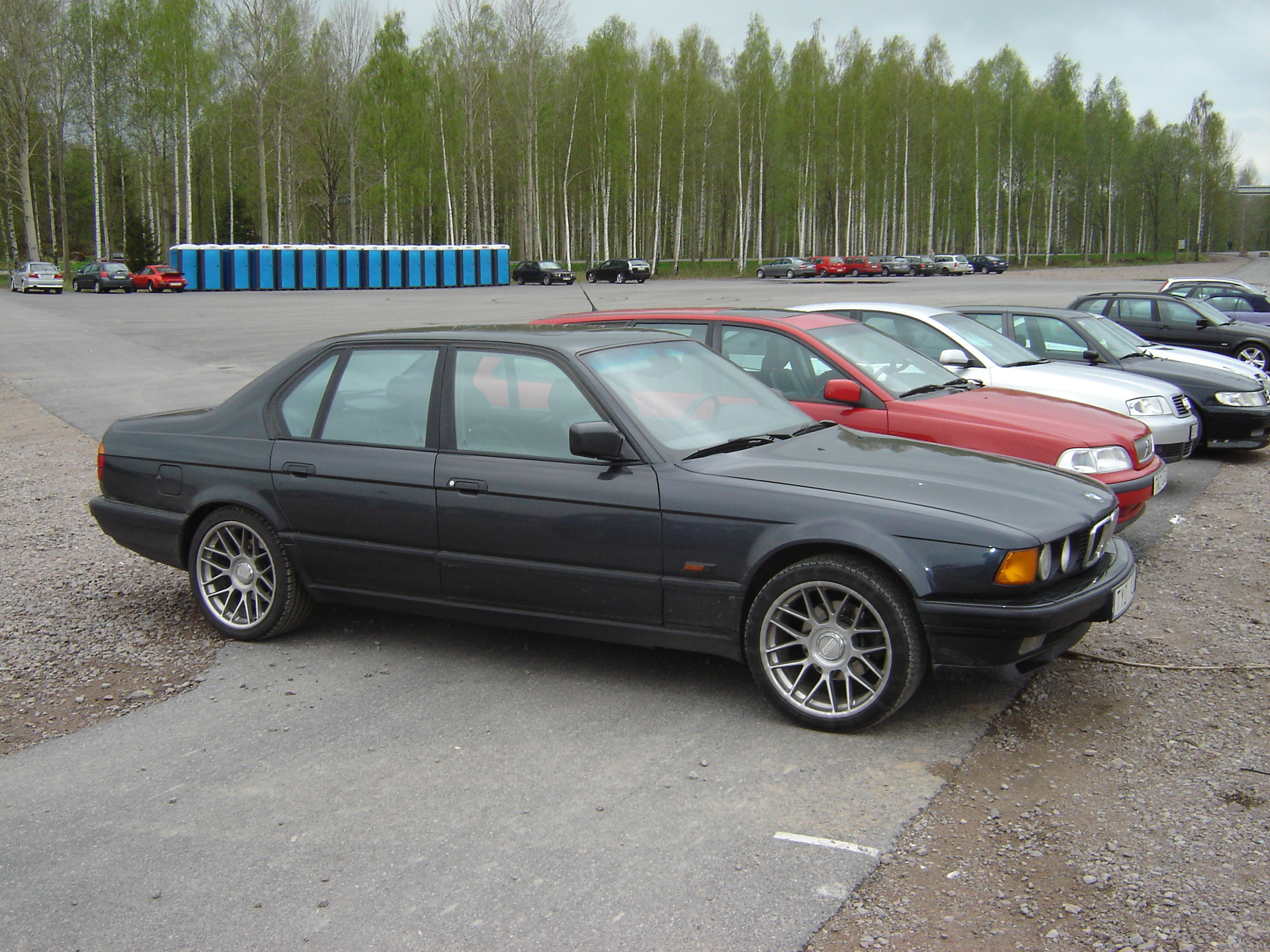File Bmw 7 Series E32 2462886472 Jpg Wikimedia Commons