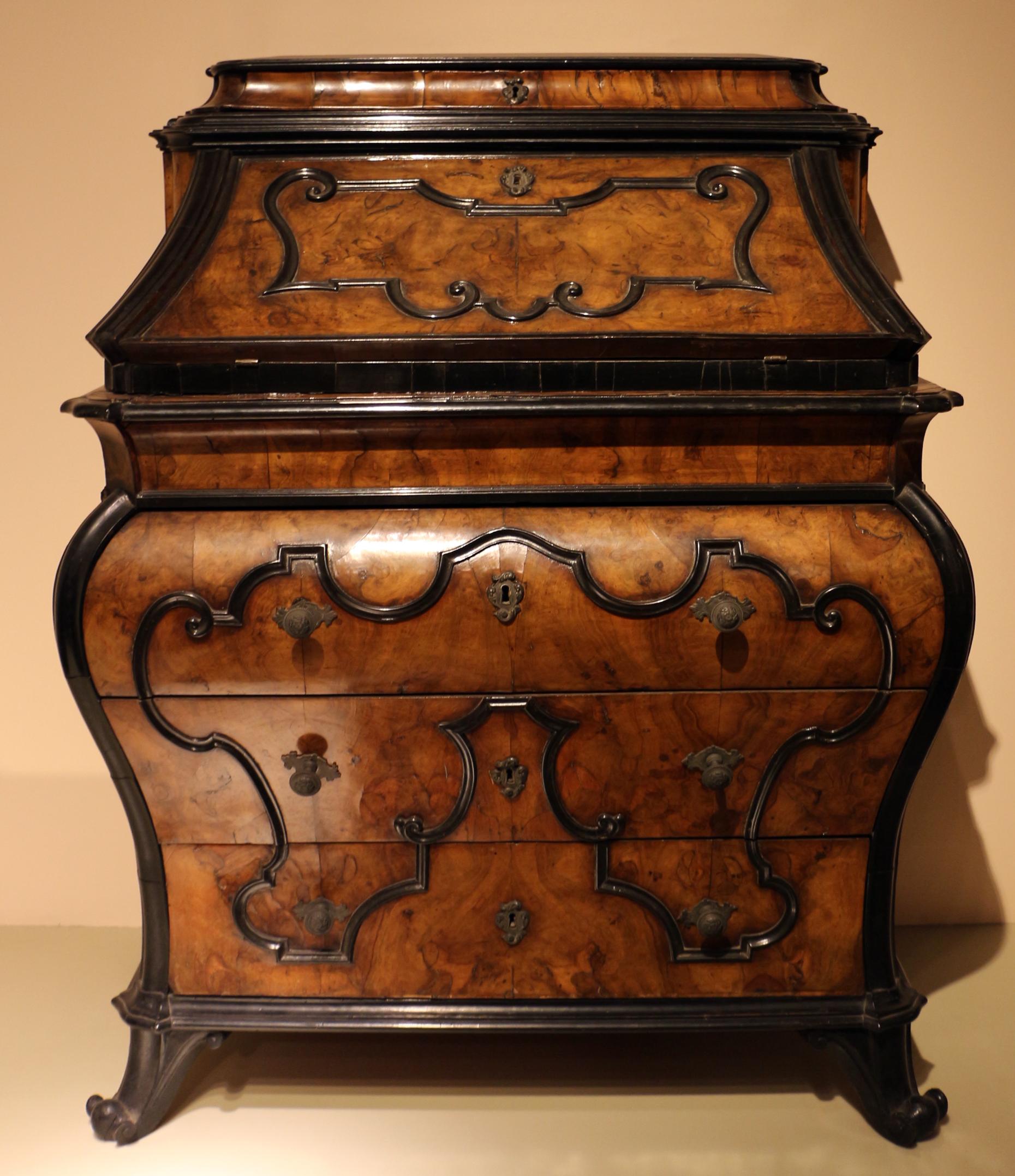 File:Bottega lombarda, cassettone a ribalta, 1750-1775 ca ...