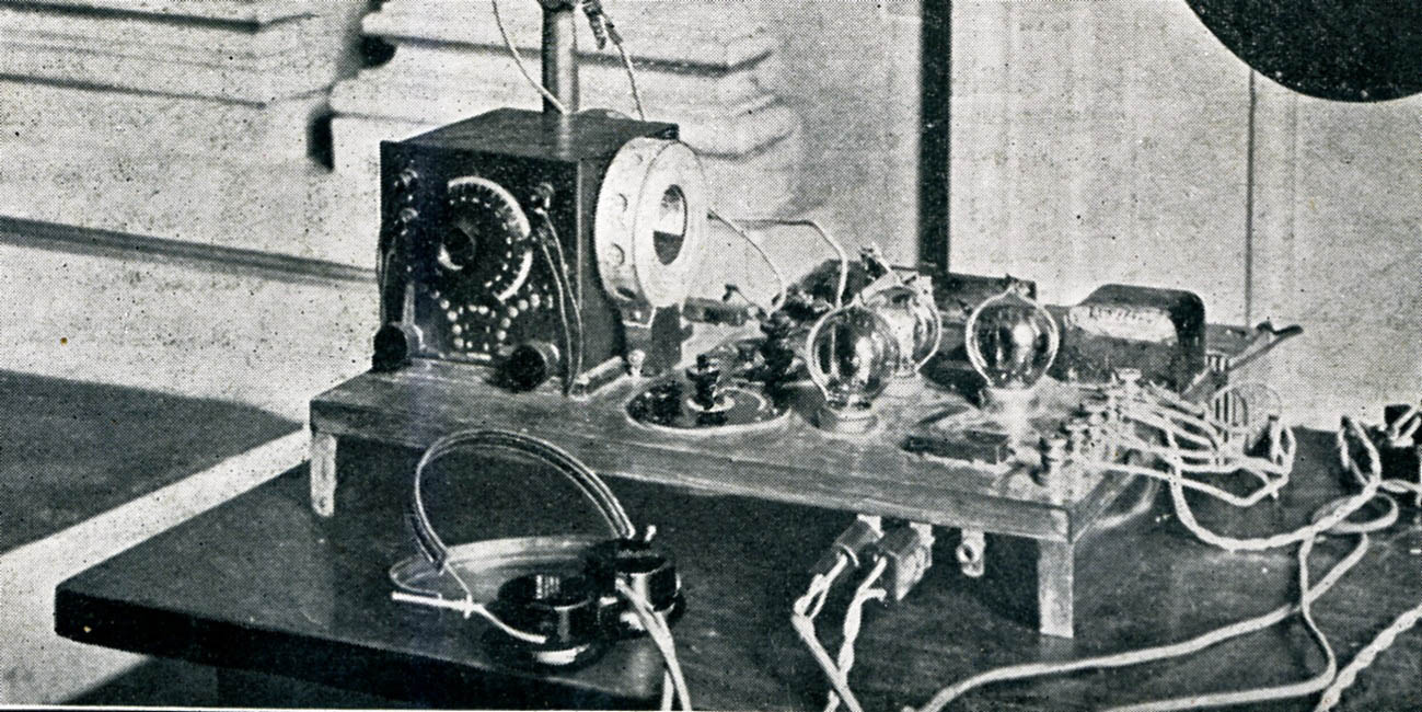 BreadboardRadioCloseup1922.jpg
