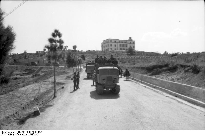 File:Bundesarchiv Bild 101I-049-1605-15A, Jugoslawien, Raupenschlepper Ost.jpg