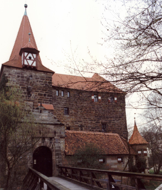 Burg Lauf 01.jpg