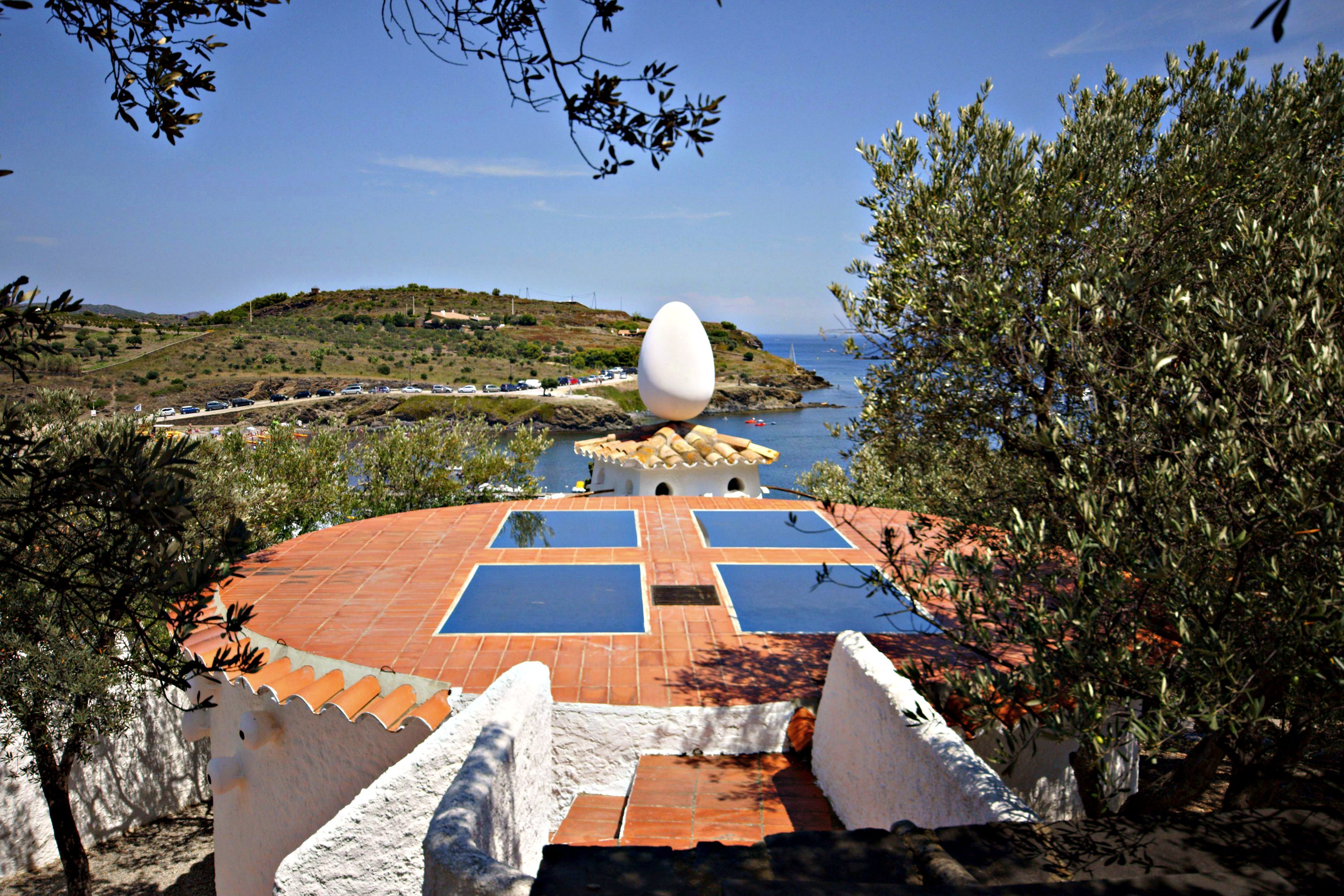 view of egg sculpture from Salvador Dalí's house