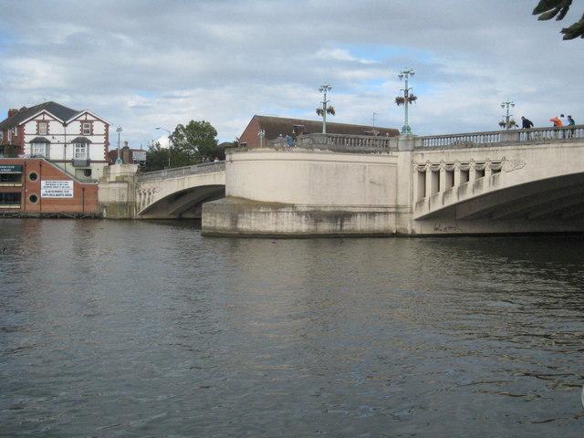 Caversham Bridge on the Thames - geograph.org.uk - 951896