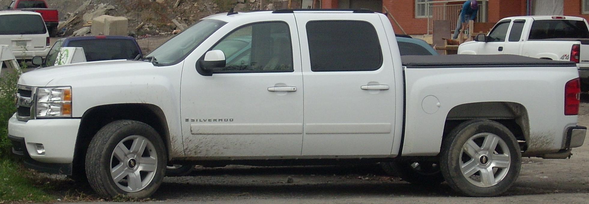File:Chevrolet Silverado Crew Cab.jpg - Wikimedia Commons