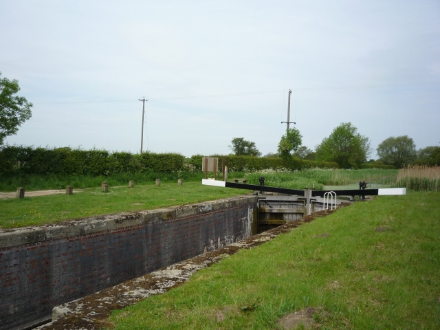 Coates Lock on the Pocklingon Canal - geograph.org.uk - 1414988