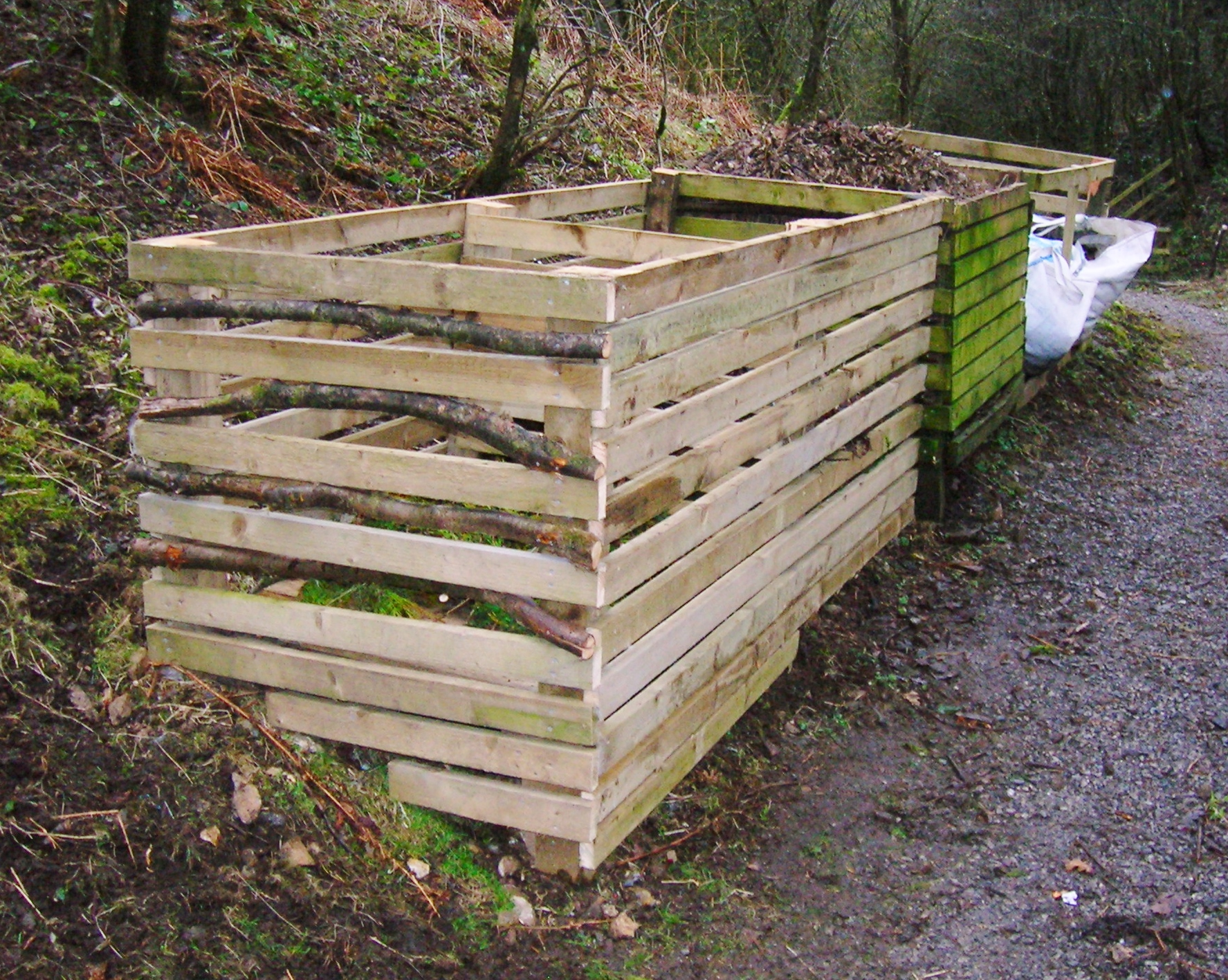 filecompost bins vale grovejpg
