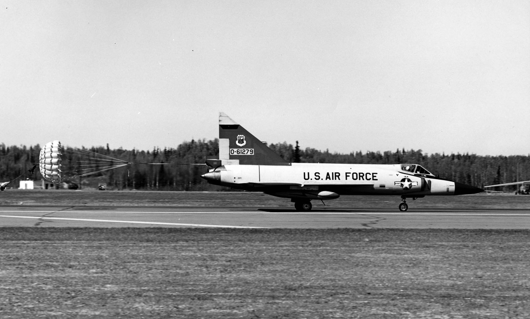 File:Convair F-102A-75-LO (SN 56-1279)