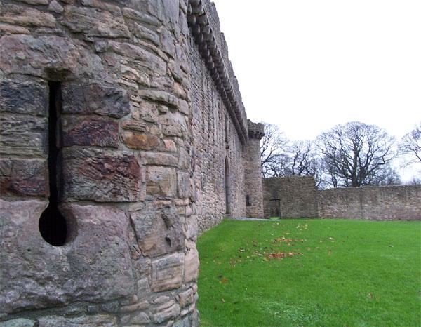 Inner Curtain Wall : File craigmillar castle inner curtain wall g
