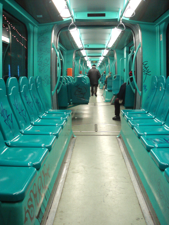 File dsc01936 interno di tram milano foto di g dall for Interno 28
