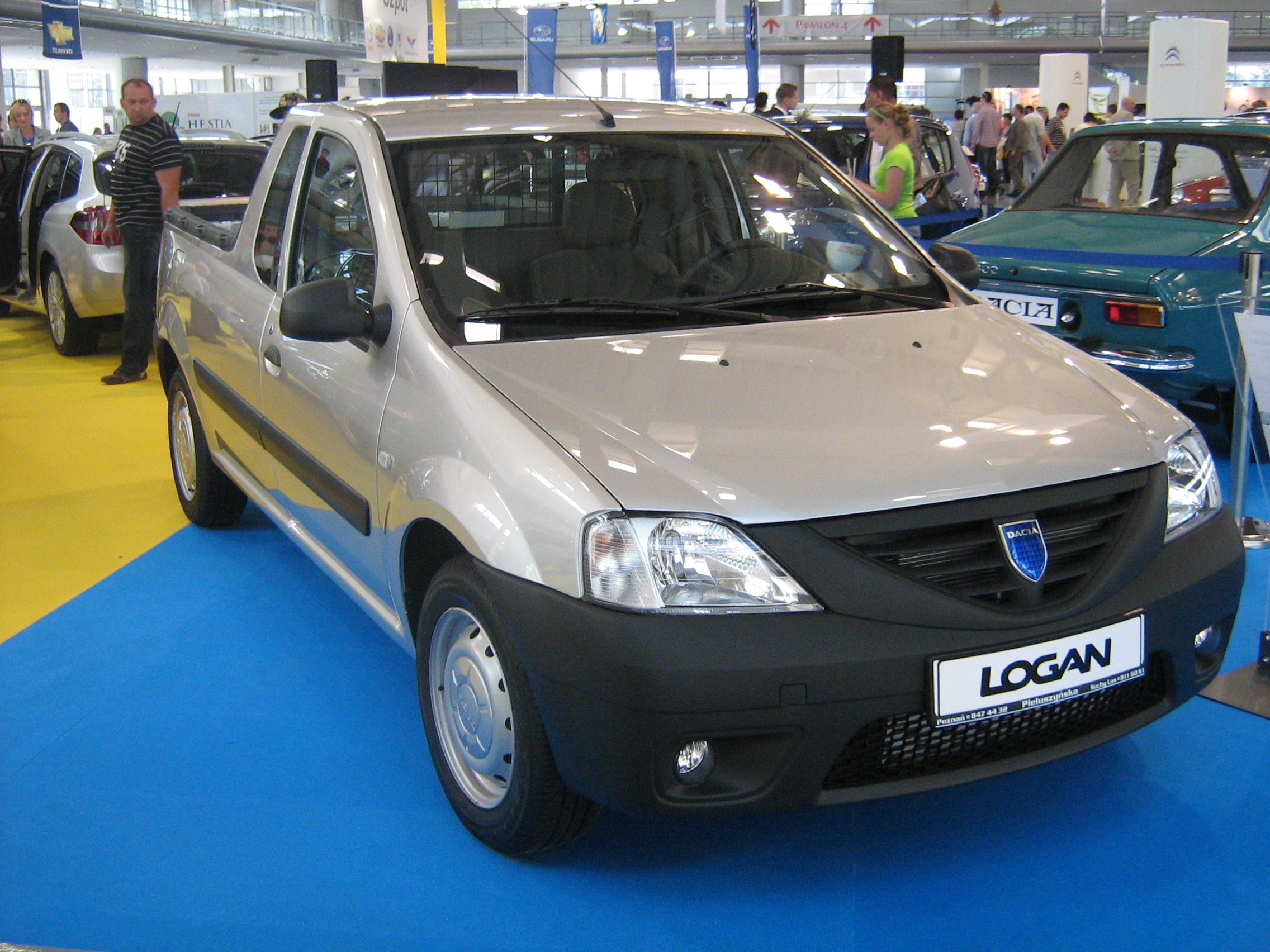 file dacia logan pick up front psm wikimedia. Black Bedroom Furniture Sets. Home Design Ideas