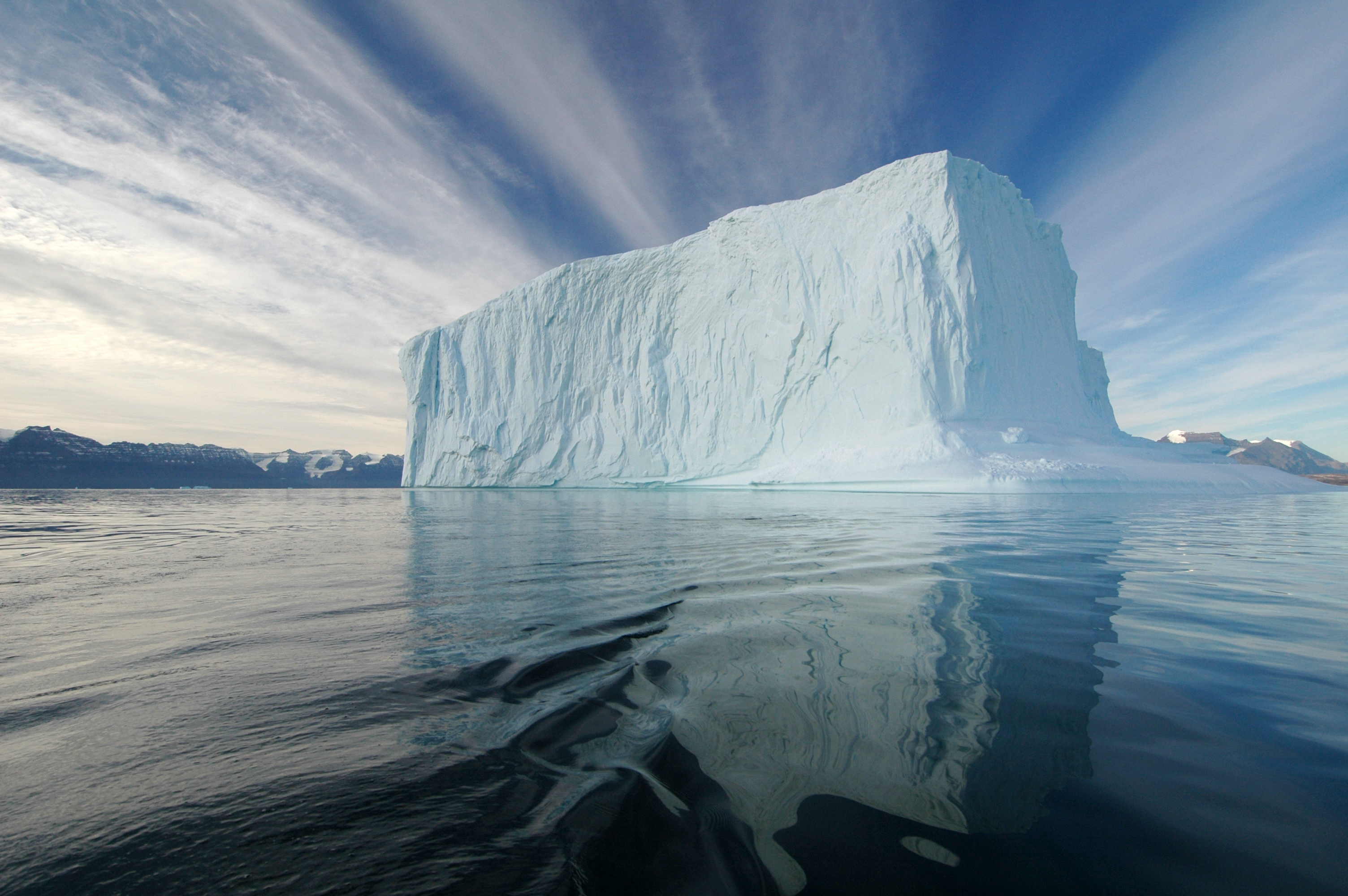 Iceberg in the Northeast Greenland National Park [3008×2000] photo by Rita Willaert