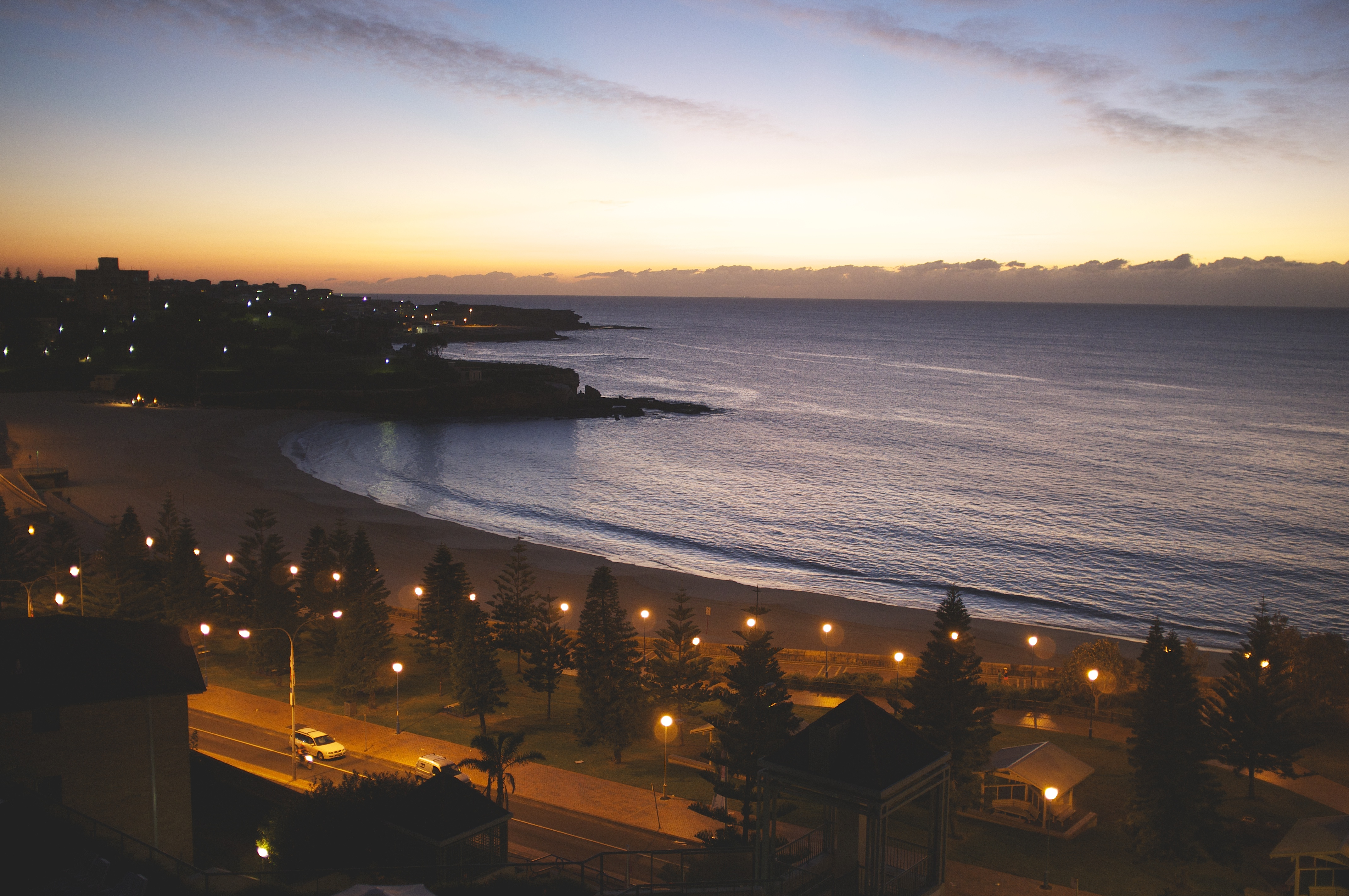 Dawn at Coogee Beach by By Dion Hinchcliffe (Flickr: Dawn in Coogee Beach) [CC-BY-SA-2.0 (http://creativecommons.org/licenses/by-sa/2.0)], via Wikimedia Commons