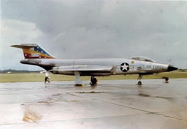 File:F-101C-56-0014-81tfw-bent.jpg