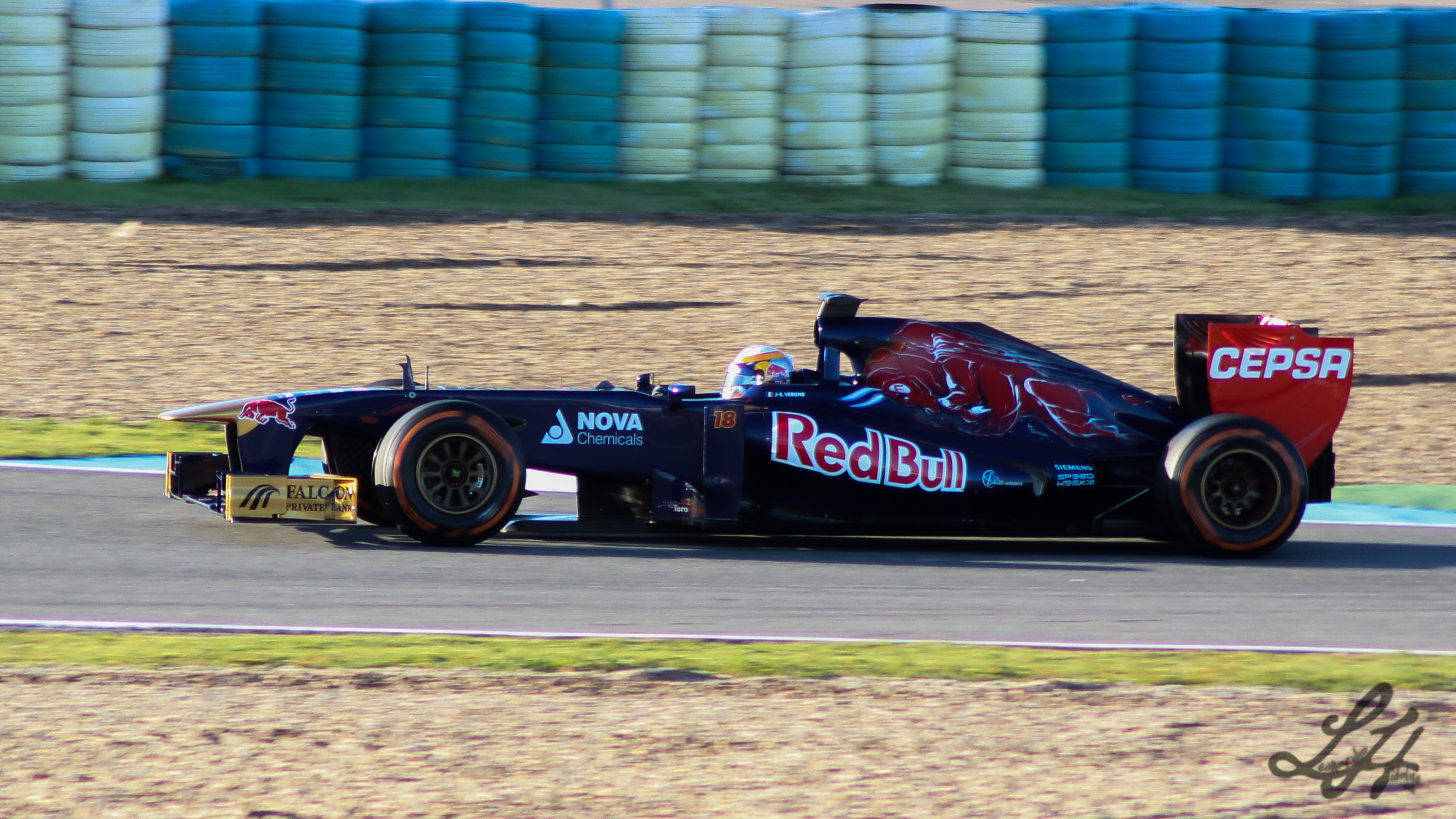 Description F1 2013 Jerez test - Toro Rosso.jpg