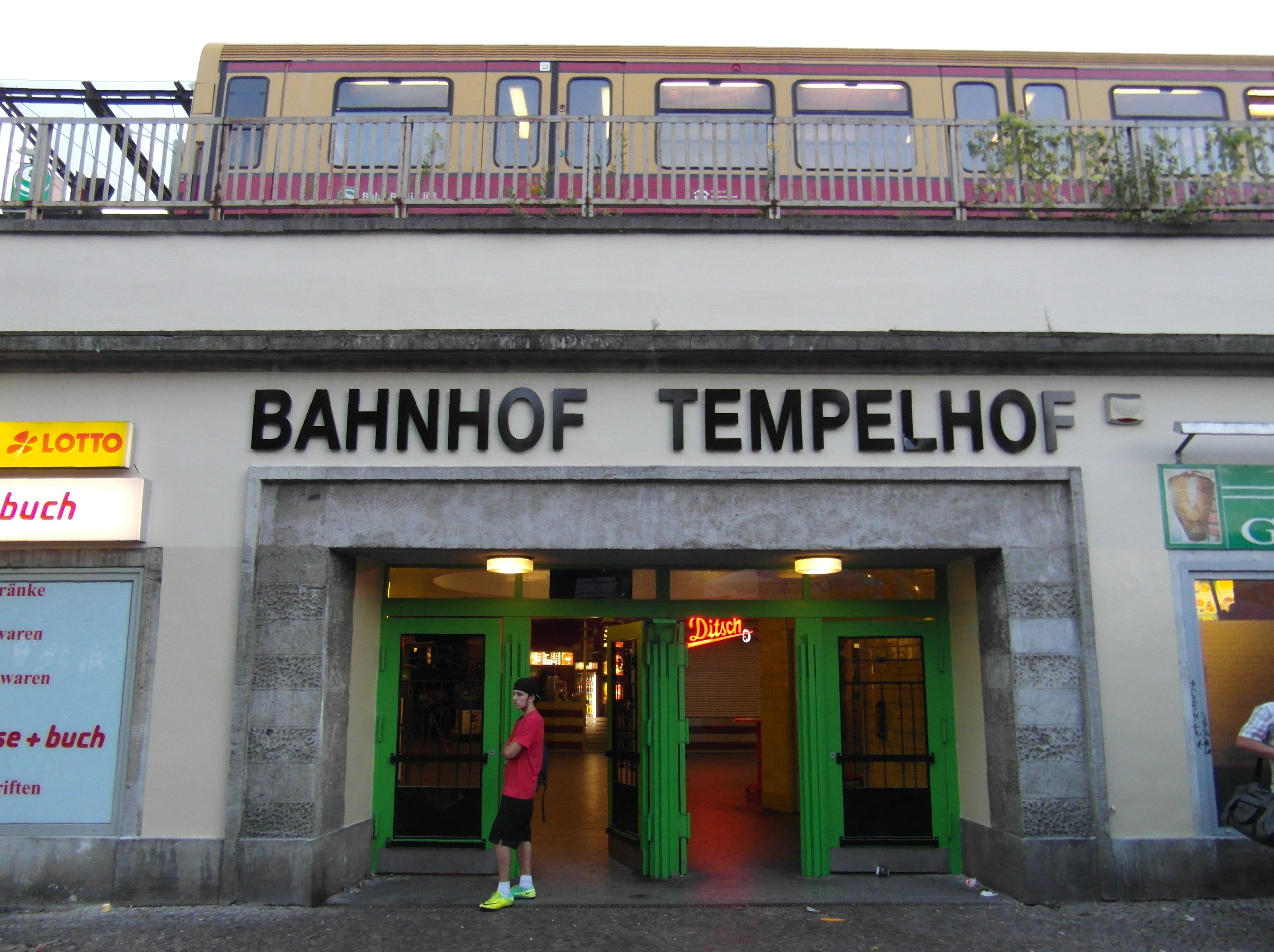 file flickr ingolfbln berlin s bahnhof tempelhof 4 jpg wikimedia commons. Black Bedroom Furniture Sets. Home Design Ideas