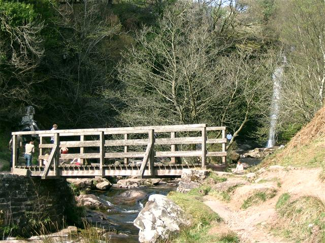 Footbridge on Caerfanell river - geograph.org.uk - 401422