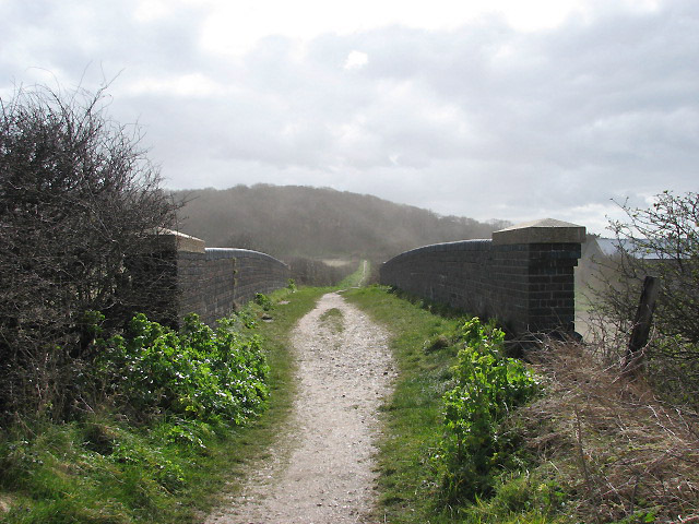 Footpath to Weybourne Road - geograph.org.uk - 747659