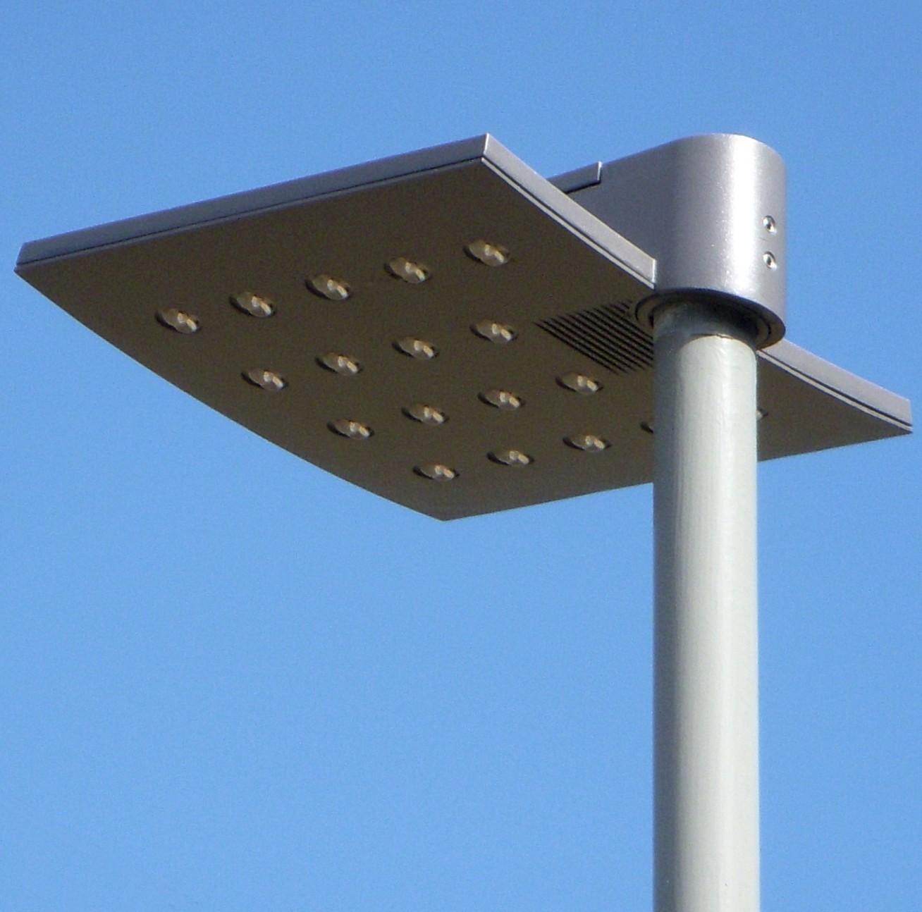 File:Gatubelysning Stockholm, parkarmatur LED 2011a.jpg ...