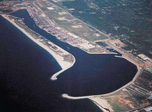Porto di Gioia Tauro - Wikipedia