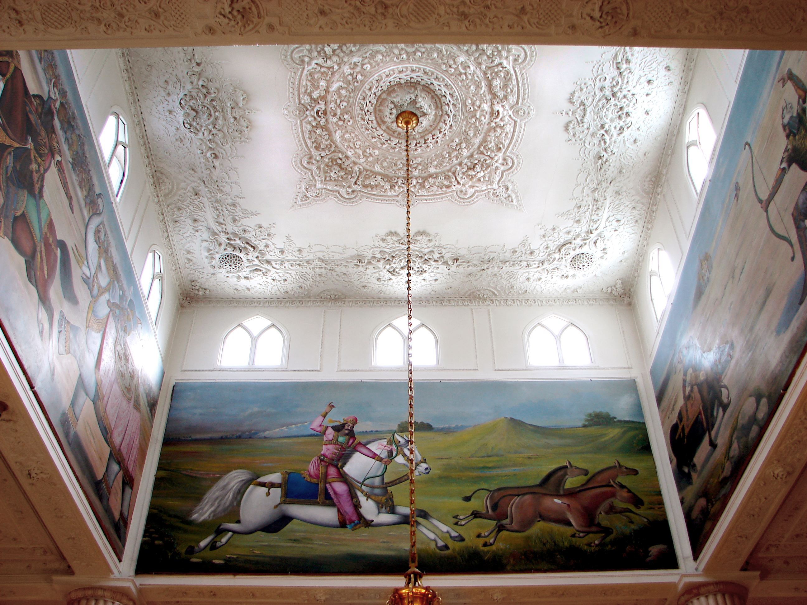 file:hall ceiling of white castle - wikimedia commons