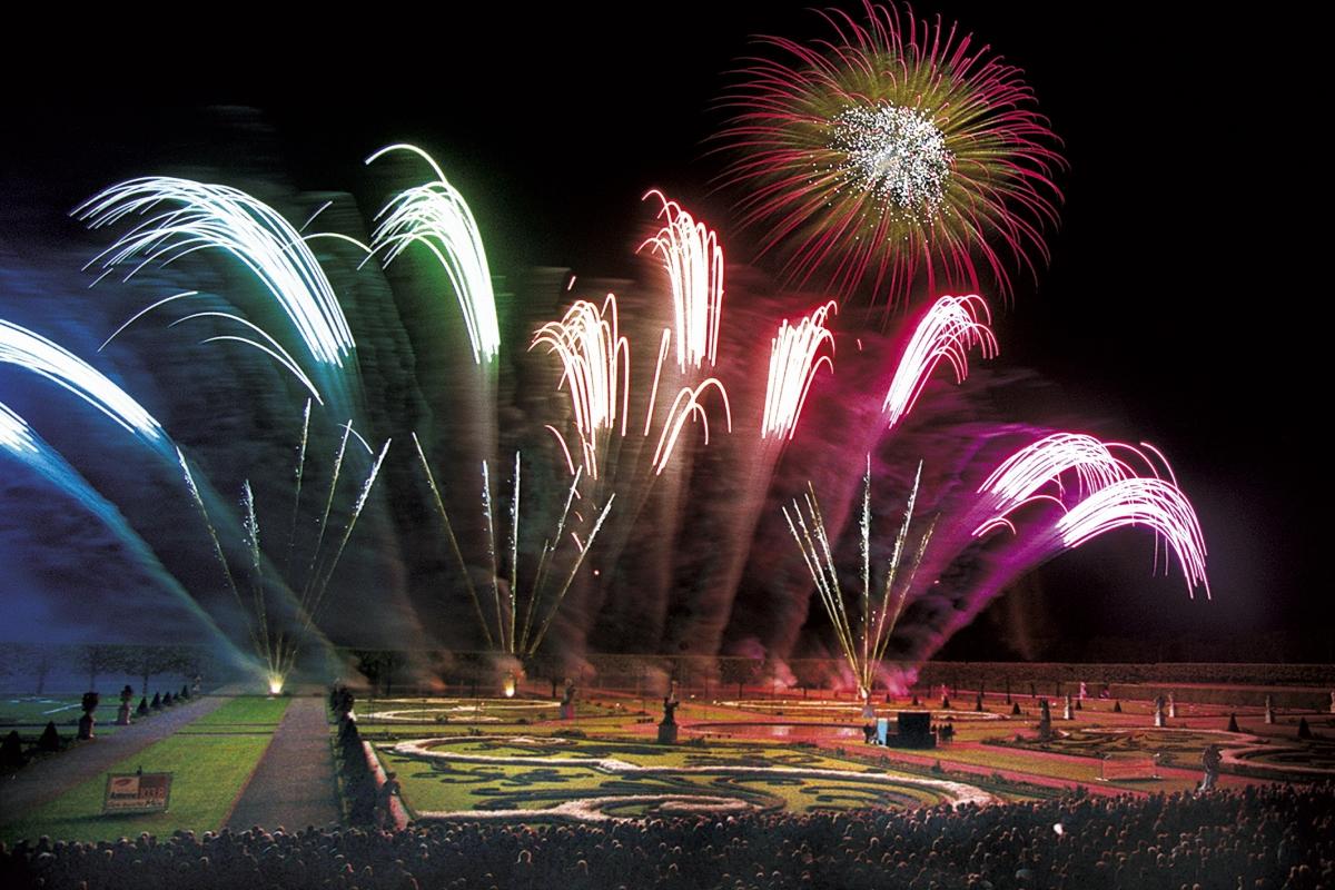 Internationaler Feuerwerkswettbewerb in den Herrenhäuser Gärten