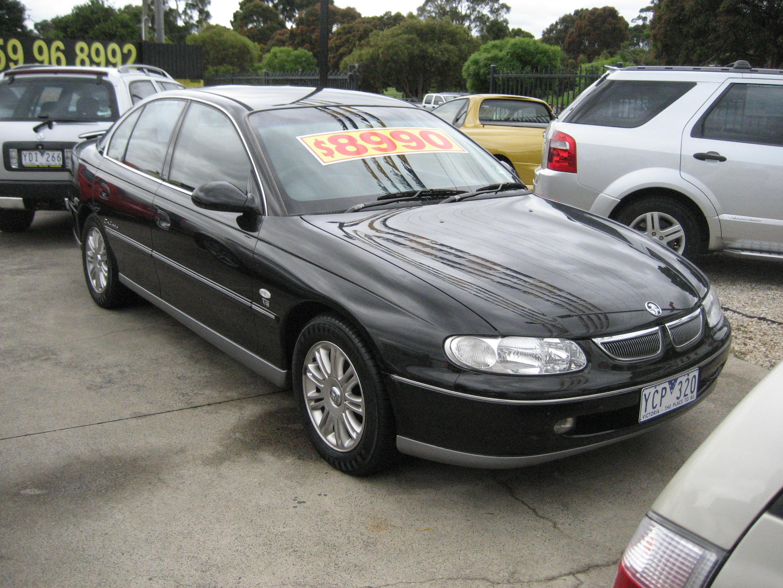 File Holden Calais Vt Sedan Jpg Wikimedia Commons