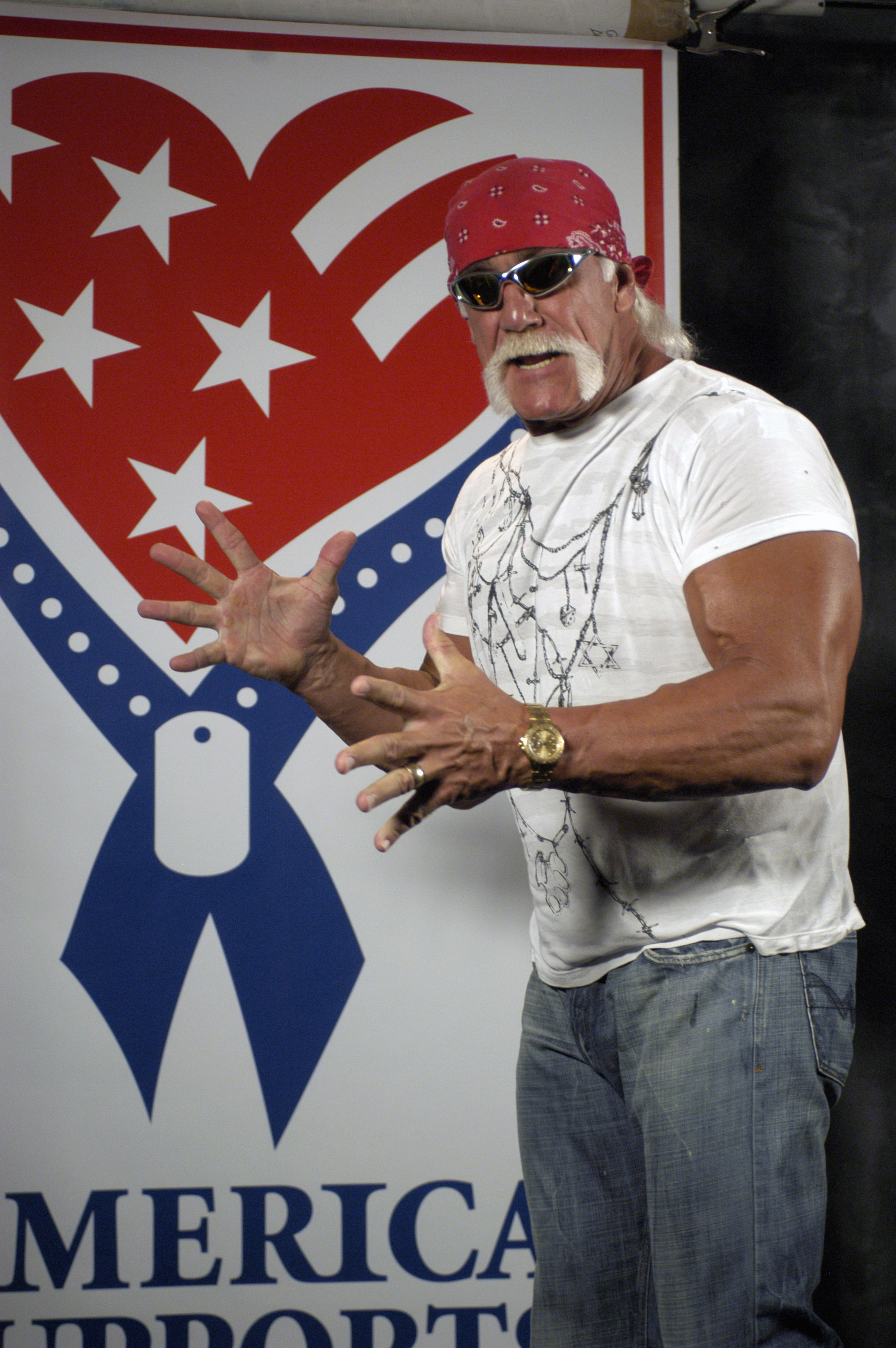 WWE superstar Hulk Hogan thanks American servicemembers for their sacrifice. Wounded troops recovering at Walter Reed were special guests at the WWE's