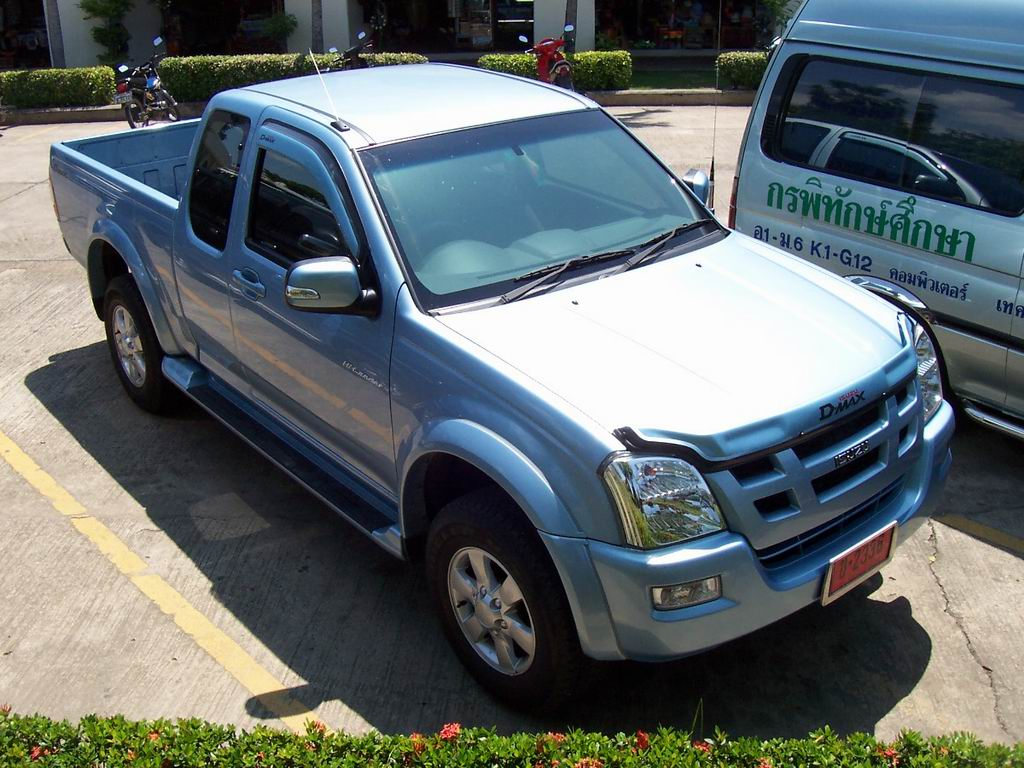 Description Isuzu D-max spacecab hi-lander april 2006.jpg