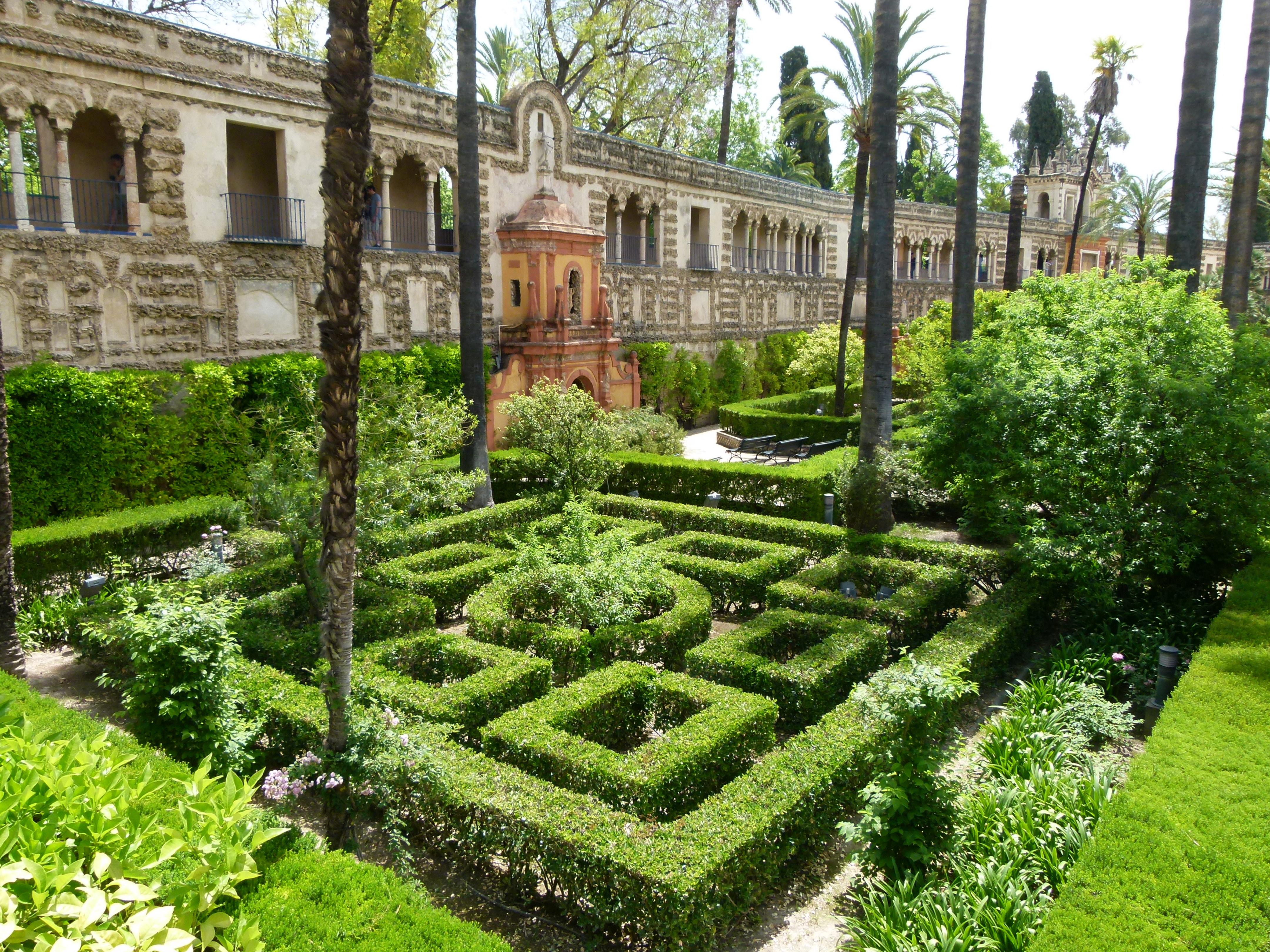 File Jardins de l Alcazar Séville 2 JPG Wikimedia mons