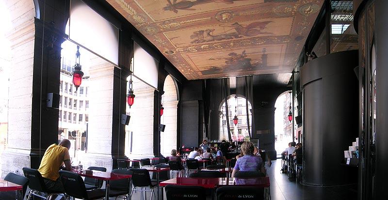The National Grande Cafe