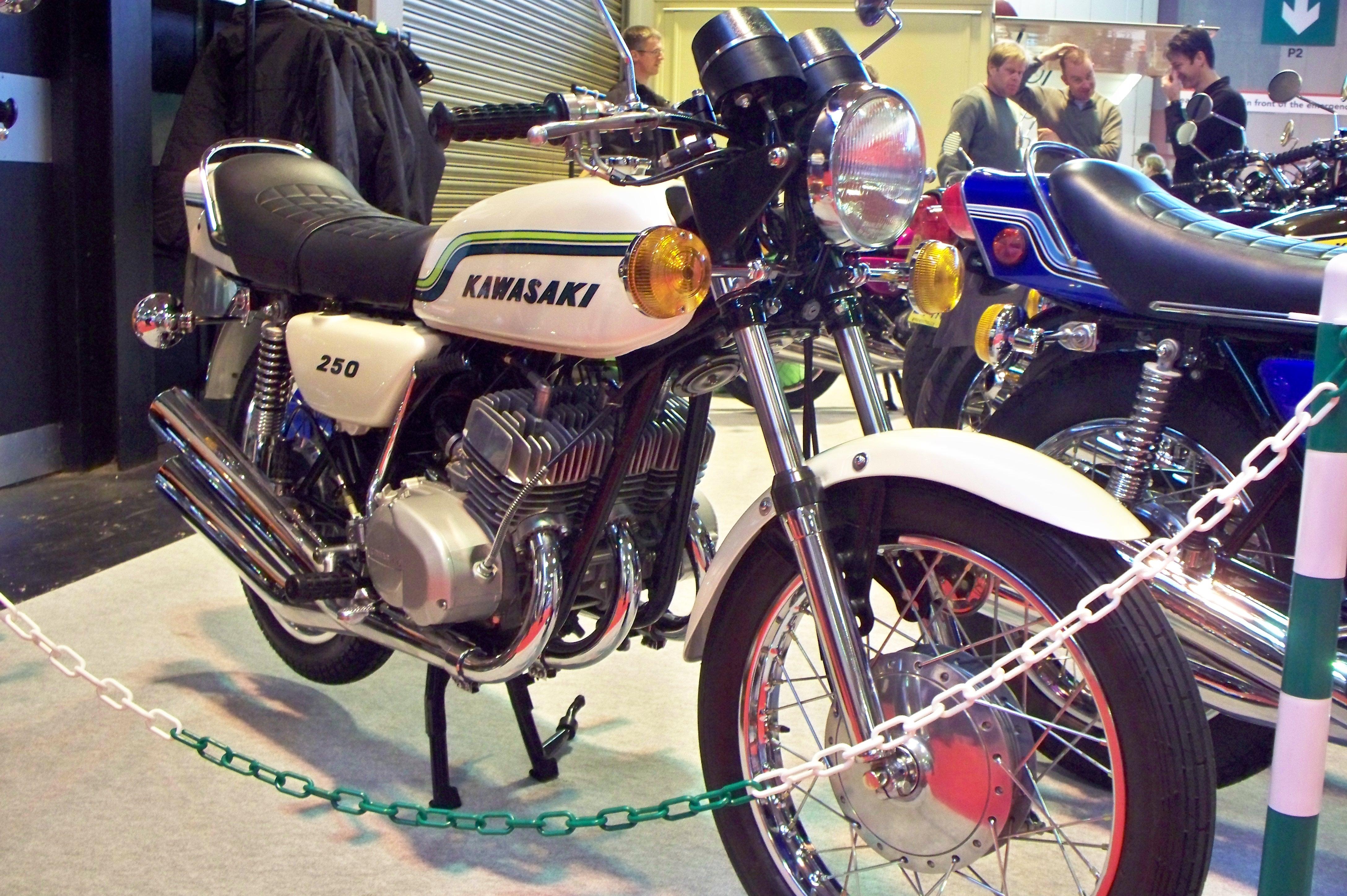 Kawasaki triple - Wikiwand