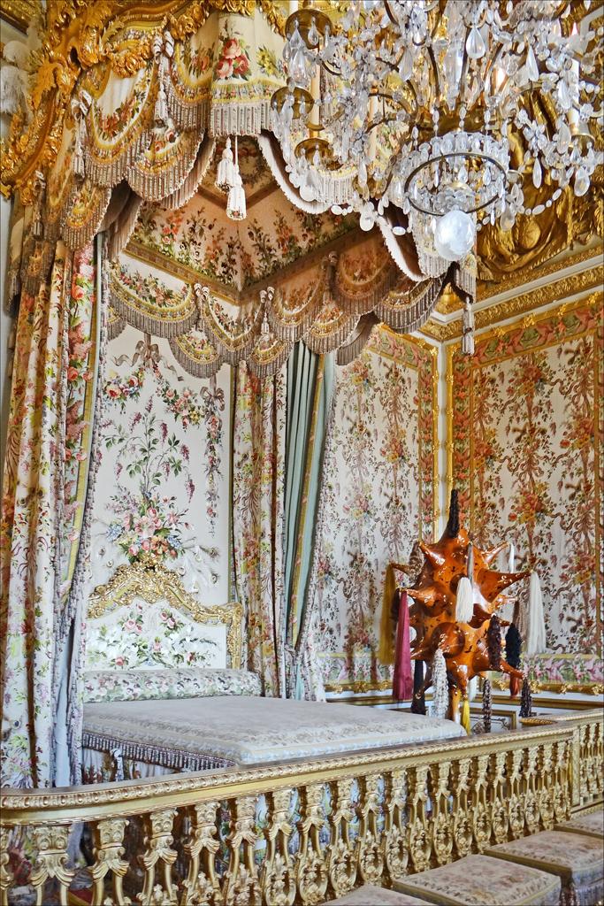 File la chambre de la reine et lart contemporain for Chambre de la reine
