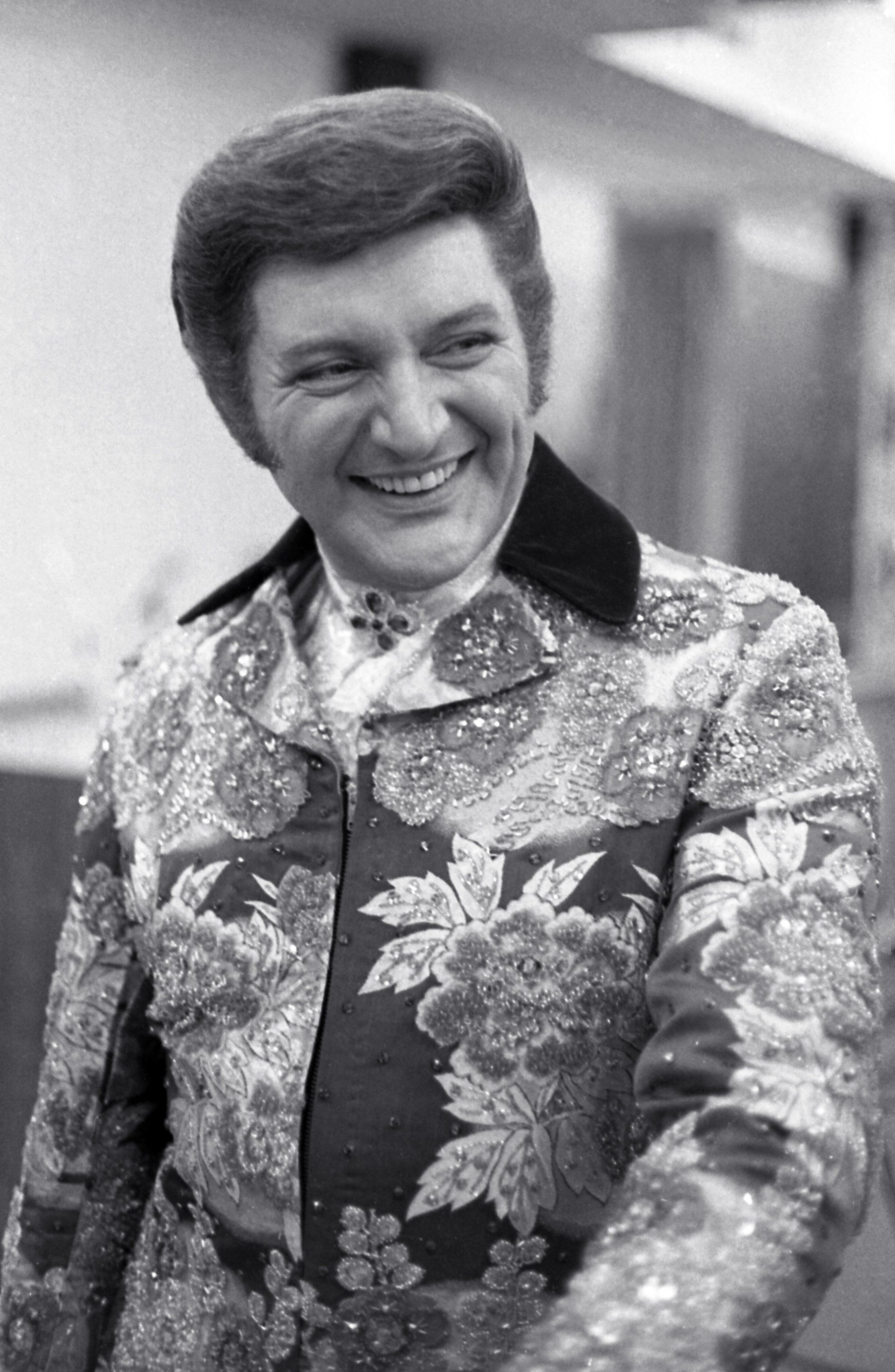 Liberace height